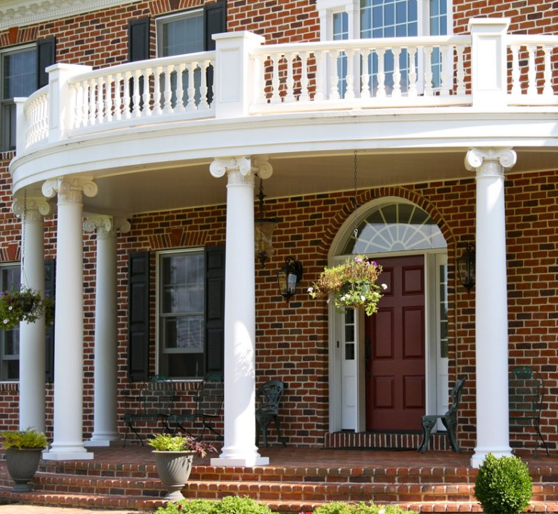 Curved Porch Balustrade with Columns