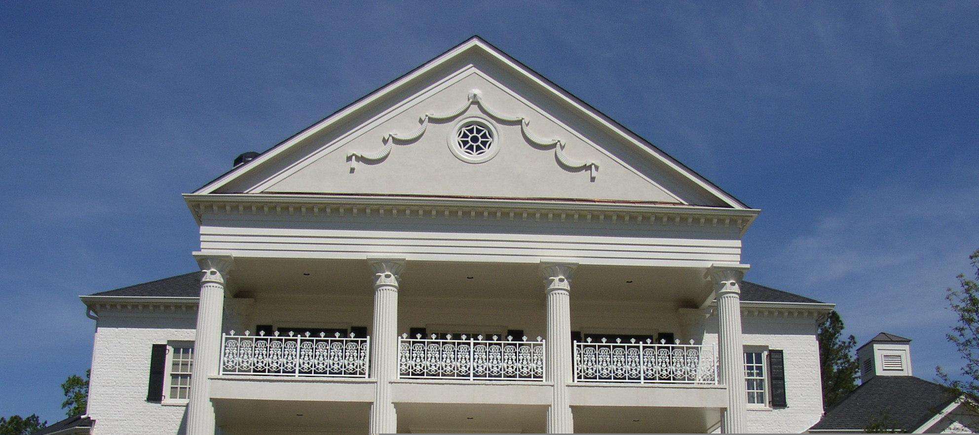 Home with beautiful Columns and acanthus capitals